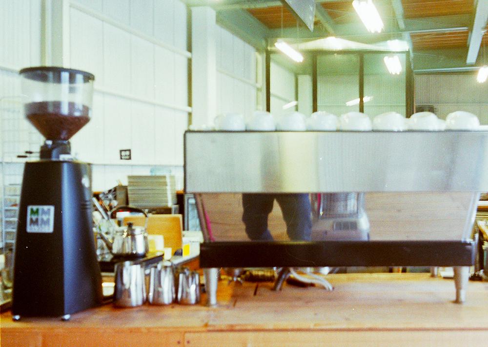 コーヒーマシンはLa Marzocco - LINEA CLASSIC(3連タイプ)