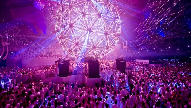世界一美しいフェスティバル「SENSATION」が日本初上陸
