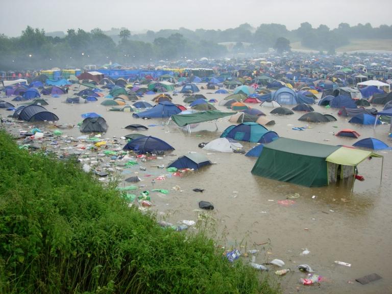 http://www.bbc.co.uk/blogs/learningenglish/glasto_rain.jpg